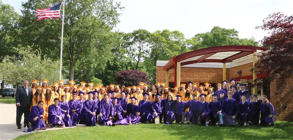 Class of 2019 at Cherry Avenue Elementary School photo by Linda Mittiga