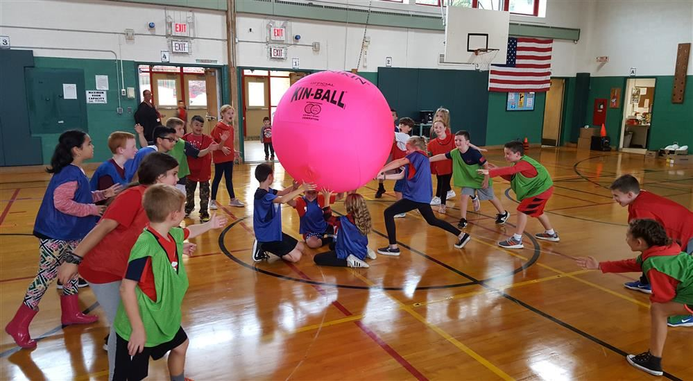 Cherry Avenue Physical Education Students Learn Cooperation in Strategic Team Activities