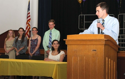 lg_2012 national honor society photo.jpg