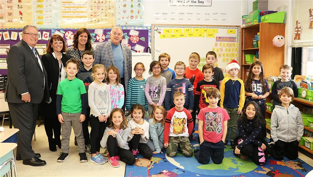 Mrs. Laura Moyer's Class with Regent Roger Tilles